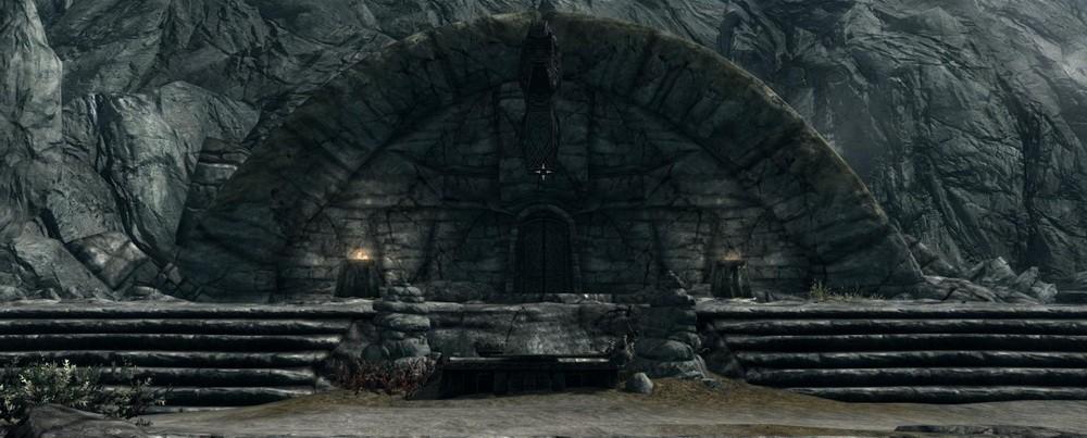 Как открыть запечатанную дверь в Скайрим?